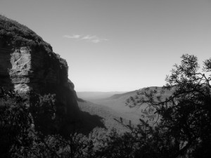 Rugged sandstone escarpment in the Blue Mountains