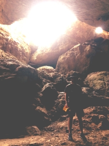 Intrepid cave man locates possible way out