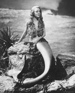 Photo sourced from: http://psycheskinner.hubpages.com/hub/Vintage-Mermaids#